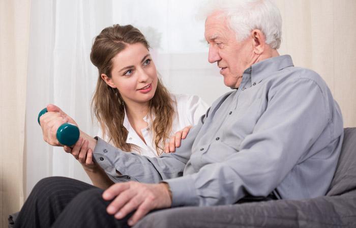 Išgyvenus insultą: kineziterapija – būdas grįžti į gyvenimą